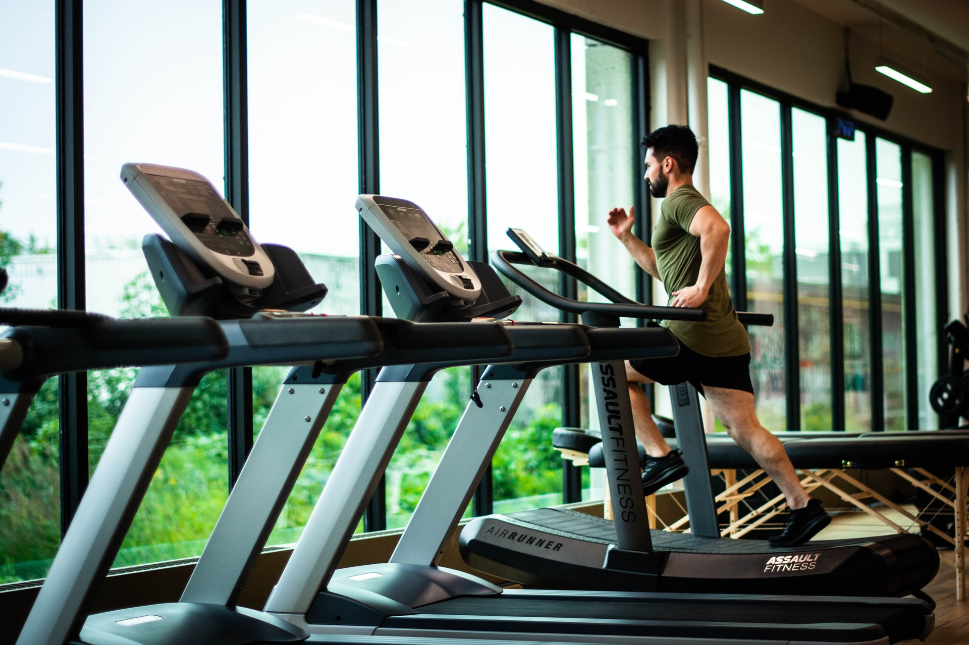 What Essential Things to Consider Before Joining the Gym?