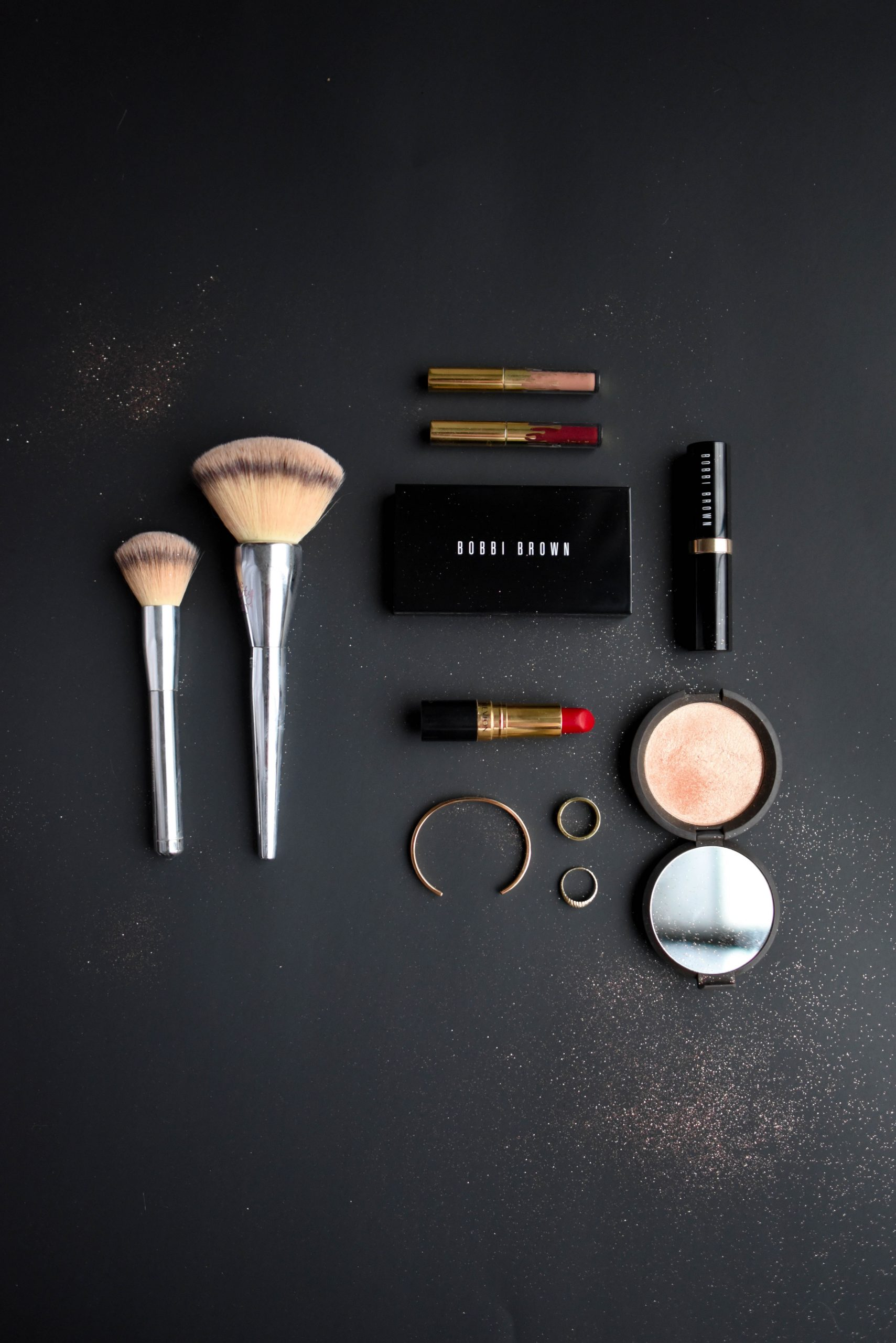 6 Tips on How to Use Your Cosmetics Safely