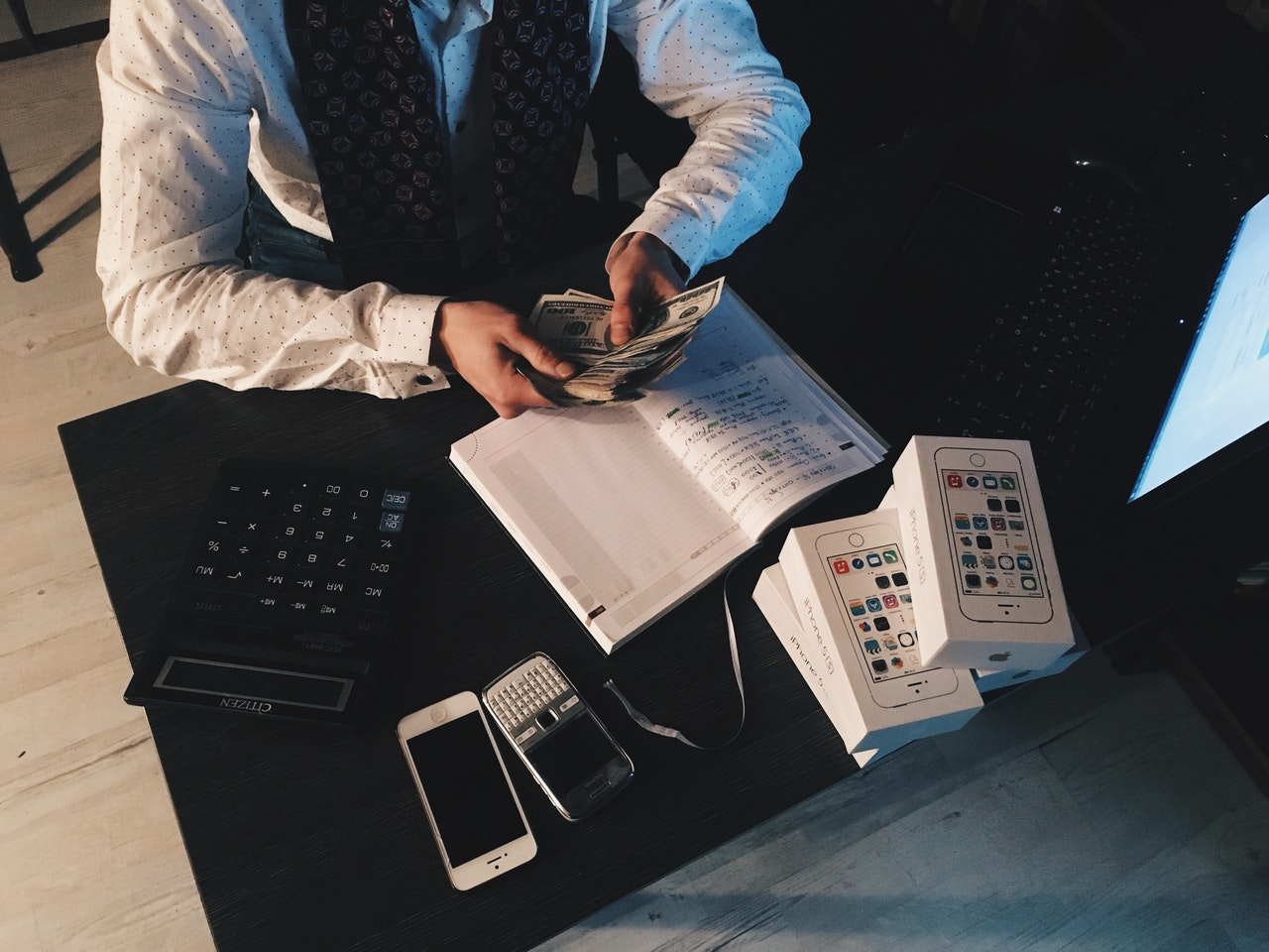 Manage finances as entrepreneur