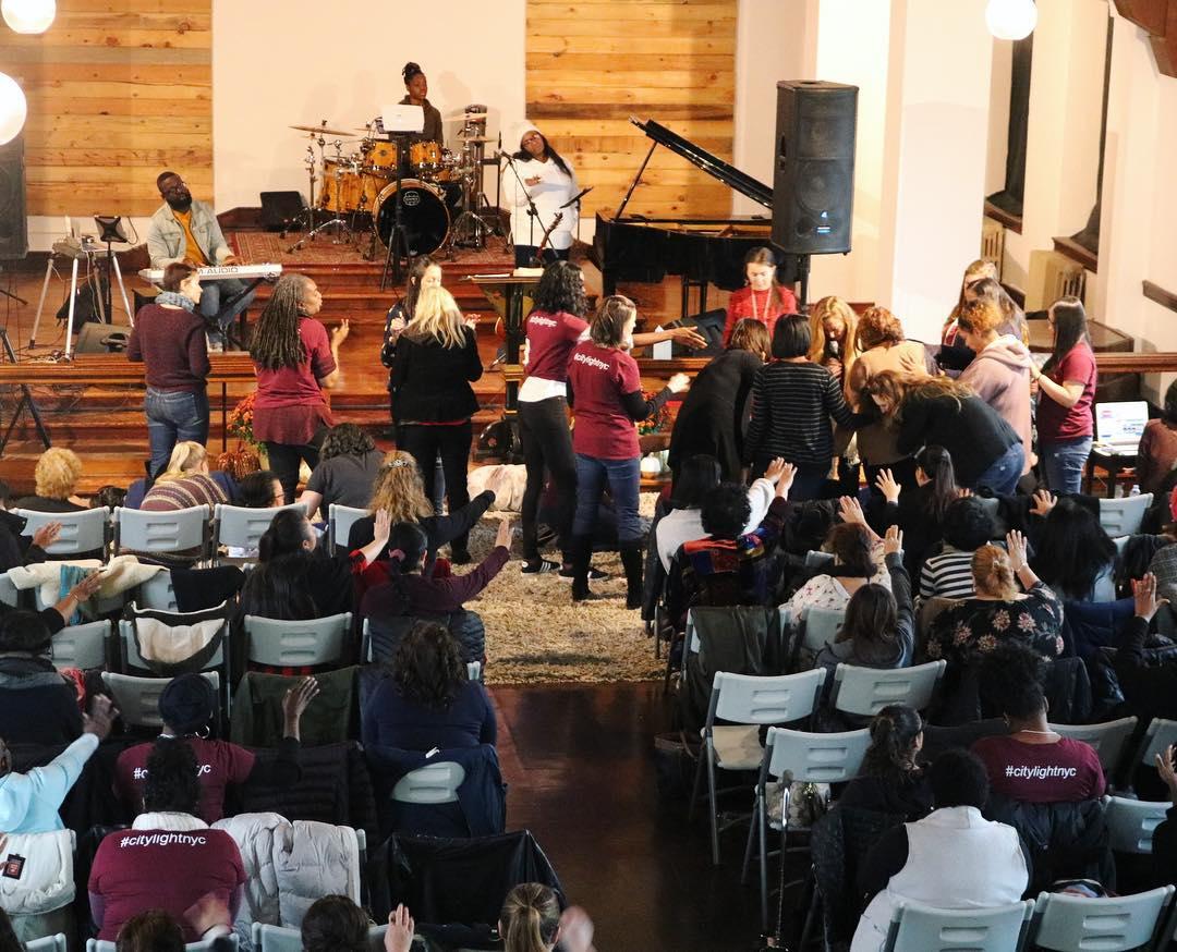 Non-denominational churches in Williamsburg