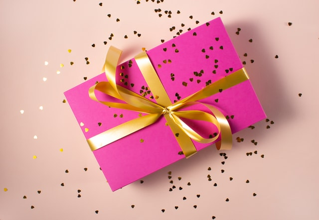 Exciting Diwali Gifts that can Instantly Bring in the Touch of Love & Affection in Hearts
