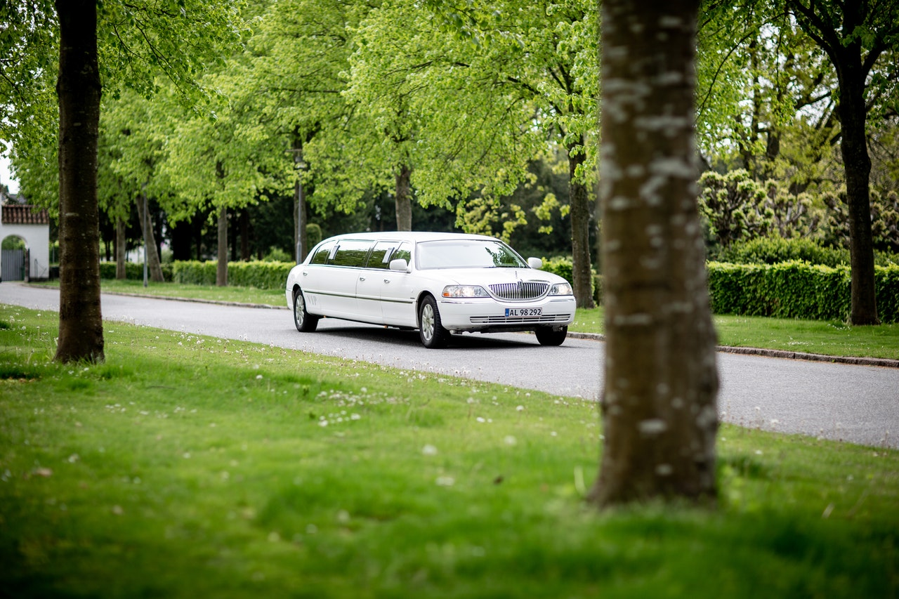 Limo Rental Services And Best Prices Provider in Canada